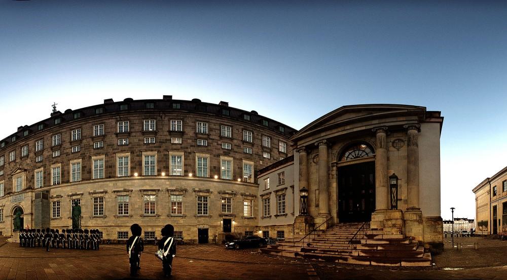 Højesteret og Christiansborg med livgarden