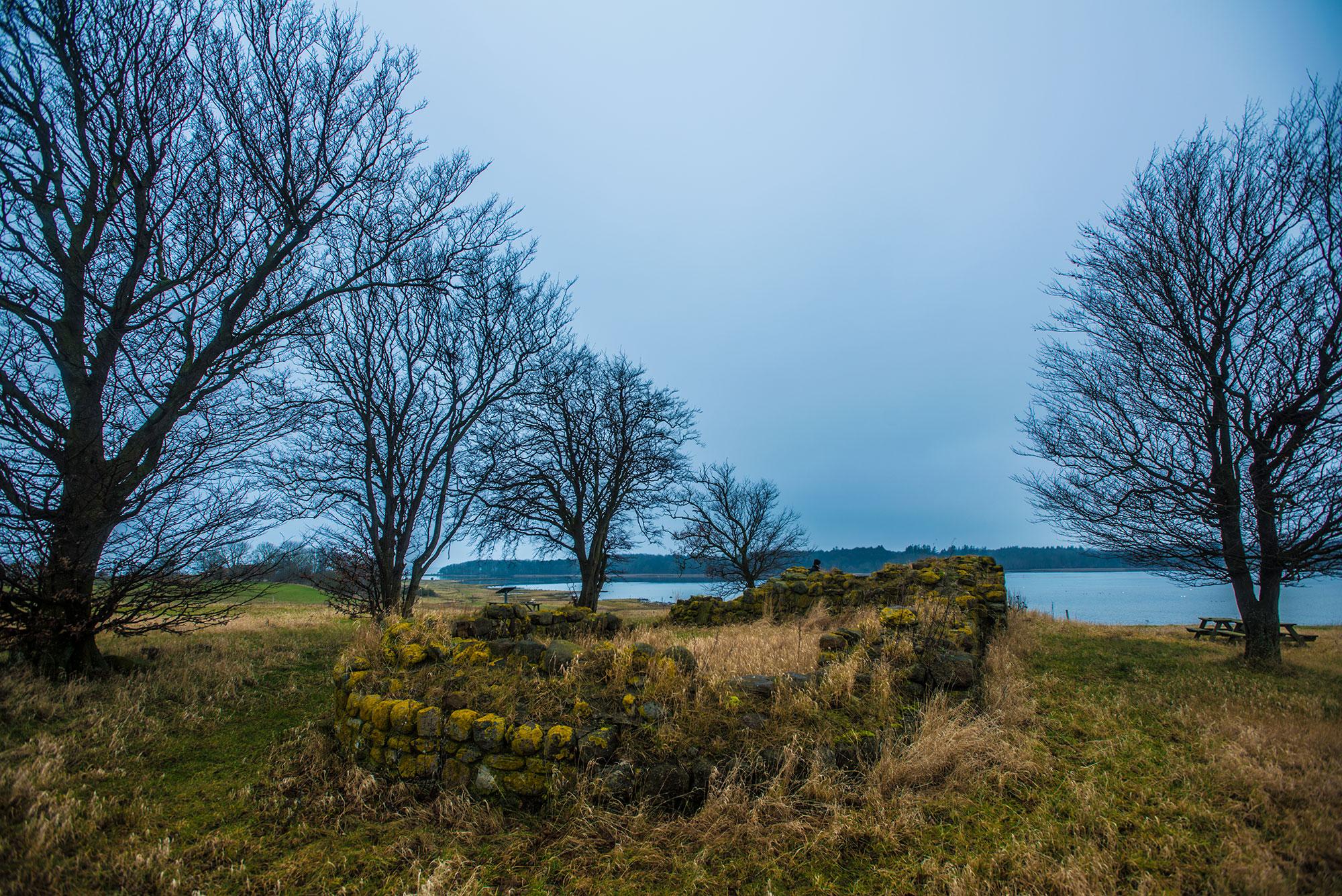 Klosterruinen Eskilsø. Den runde østende. krestenhillerup.dk