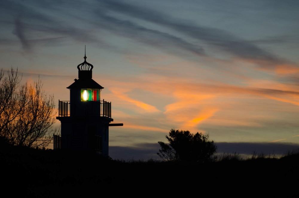 krestenhillerup.dk`foto af Spodsbjerg Fyr i Hundested ved solnedgang