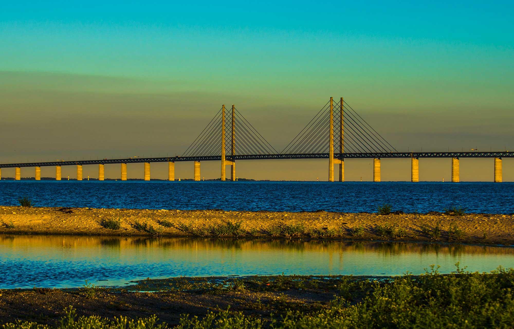 Øresund Bridge at sunset - krestenhillerup.dk