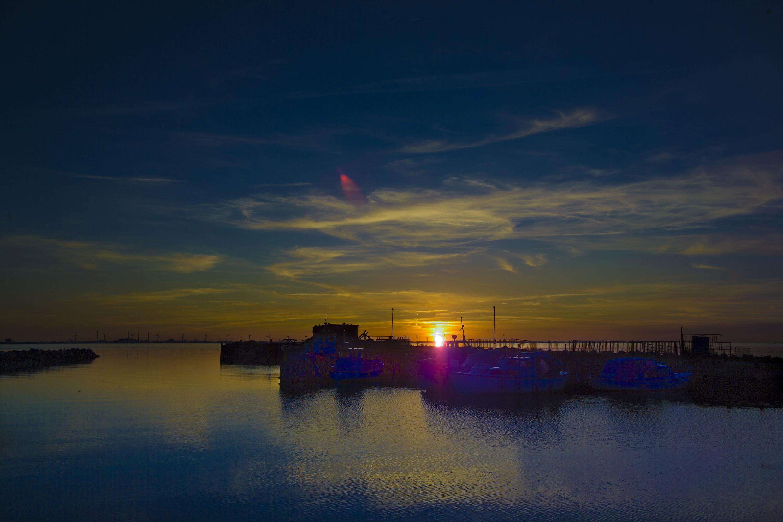 Saltholm havn ved solnedgang