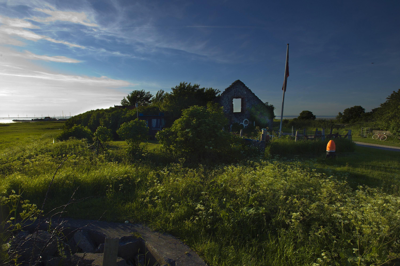 Steenladen i det der minder om en by på saltholm